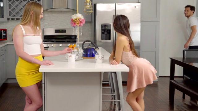 Здоровые члены до слёз долбят глубокие глотки связанных шлюшек