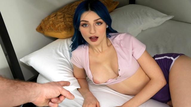 Русская сексвайф в возрасте сосет члены любовников и получает сперму на лицо