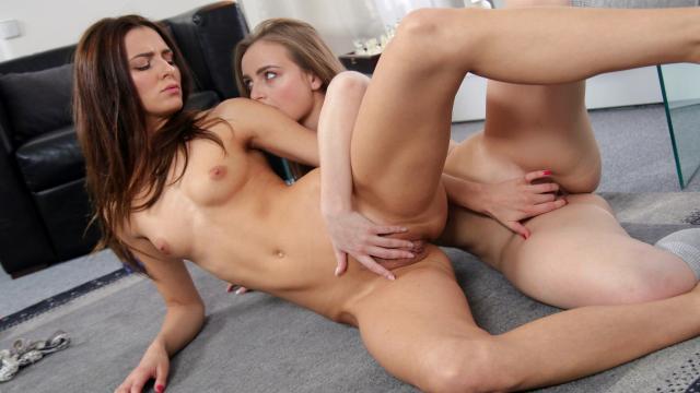Пассажирка дорогого такси соблазнила водителя и чтобы не платить за проезд готова отдаться